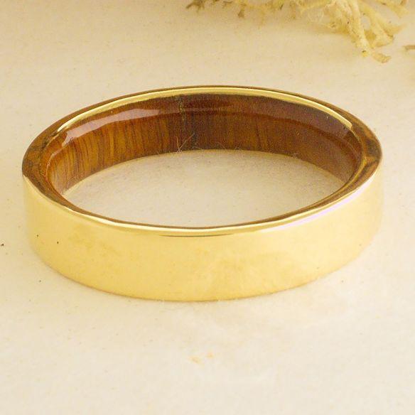 Alianza de oro amarillo y madera de palo santo 484,50€ Viademonte Jewelry