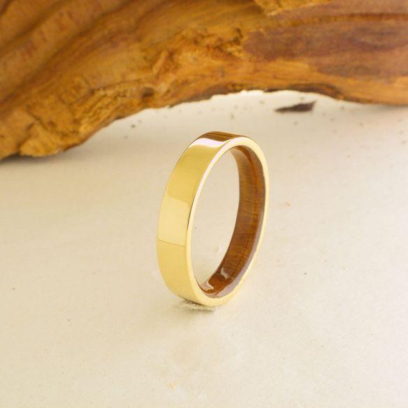 Viademonte Jewelry mit Holz und Gold Ehering aus Viademonte Jewelry und Palo Santo Holz 490,00 € Viademonte Jewelry