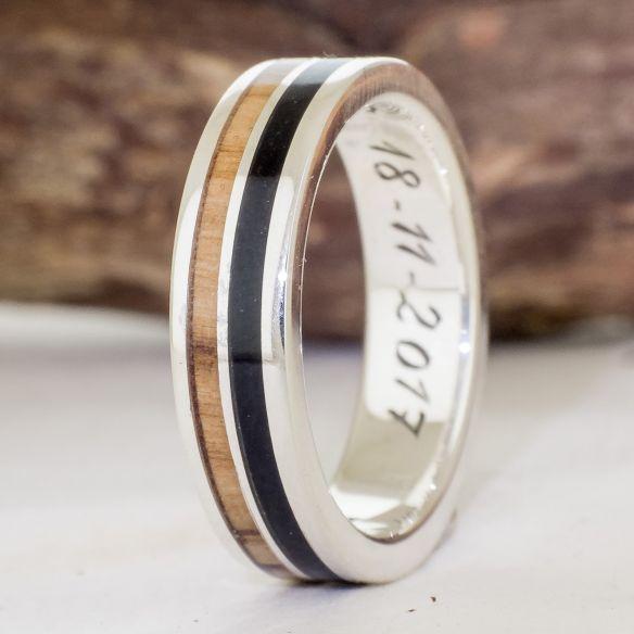 Anelli con legno e argento Viademonte Jewelry argento realizzata con legno d'ulivo ed ebano € Viademonte Jewelry