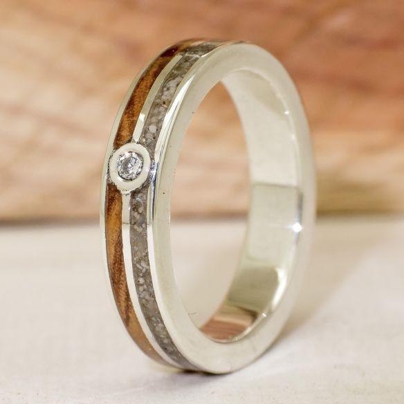 Anelli con pietre preziose Anello in argento con diamante, sabbia e ulivo € 210,00 Viademonte Jewelry
