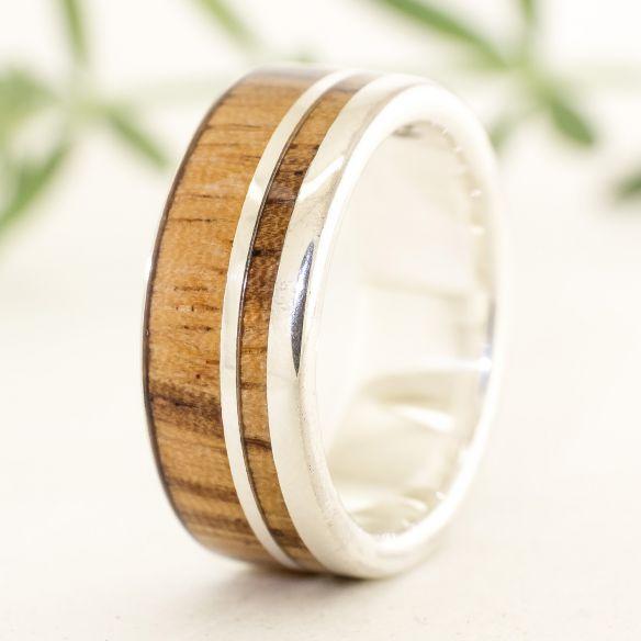 Anelli con legno e argento Anello in argento con Viademonte Jewelry 160,00 € Viademonte Jewelry