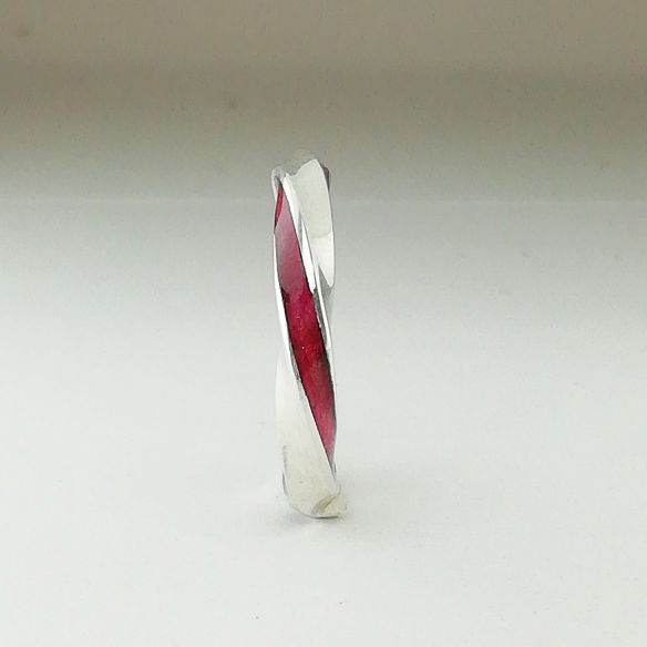 Minimalringe Infinity-Ring aus Sterlingsilber und rosa Birkenholz 200,00 € Viademonte Jewelry