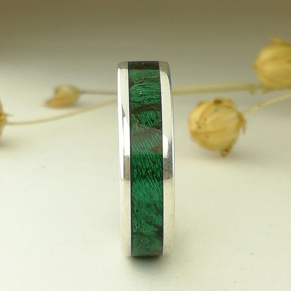 Silver wood rings Wooden silver band - Birch green wood 150,00€ Viademonte Jewelry