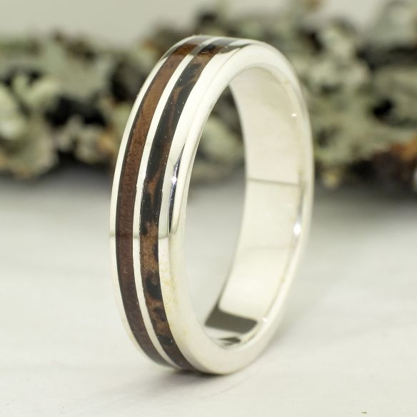Silver wood rings Wooden silver band - Black palm & walnut 160,00 € Viademonte Jewelry