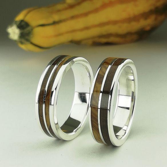 Parejas de anillos Set anillo de plata con madera de olivo y nogal 310,00€ Viademonte Jewelry