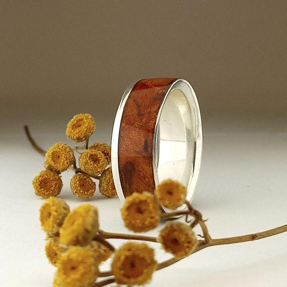 Anillos con madera y plata Anillo de plata de ley madera de abedul naranja 150,00€ Viademonte Jewelry