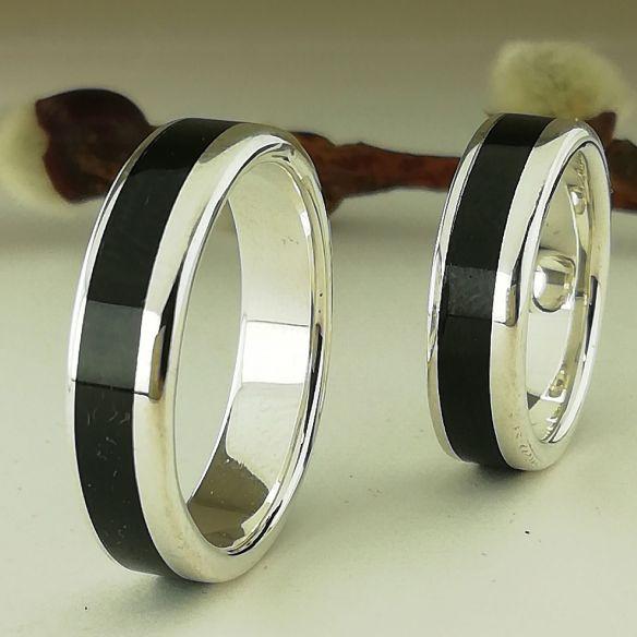 Parejas de anillos Alianzas de boda originales Barcelona 2019 . Joyeria en Plata y madera de ebano 280,00€ Viademonte Jewelry