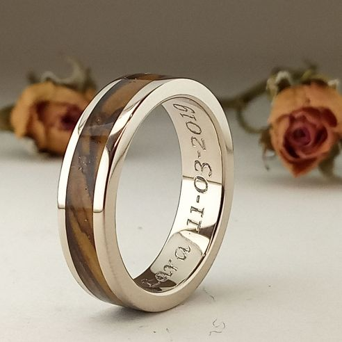 Gold wood rings White gold wedding band & olive 780,00 € Viademonte Jewelry