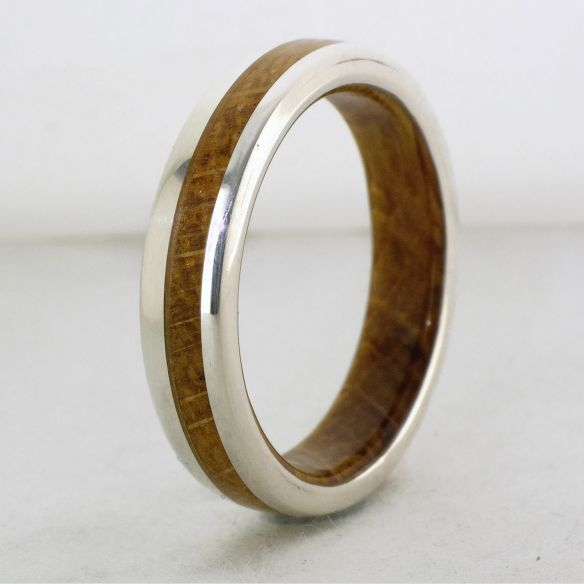 Silver wood bands Silver ring and white oak wood inside and ouside 220,00 € Viademonte Jewelry