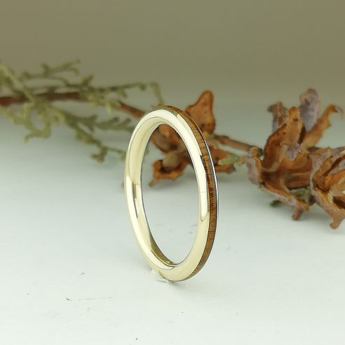 Stackable rings Yellow gold 18k ring - Lignum vitae wood 360,00 € Viademonte Jewelry