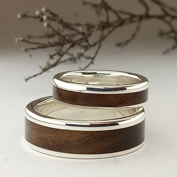 Parejas de anillos Alianzas de plata y madera de nogal 300,00€ Viademonte Jewelry