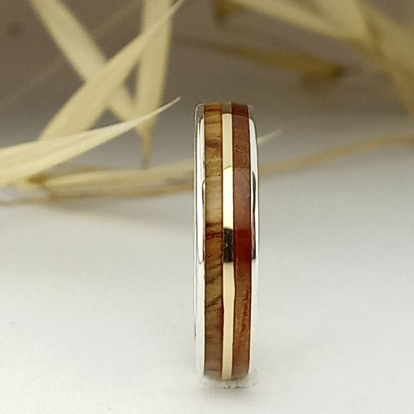 Gold wood rings Silver ring and gold centerline - Juniper & olive wood 145,00€ Viademonte Jewelry