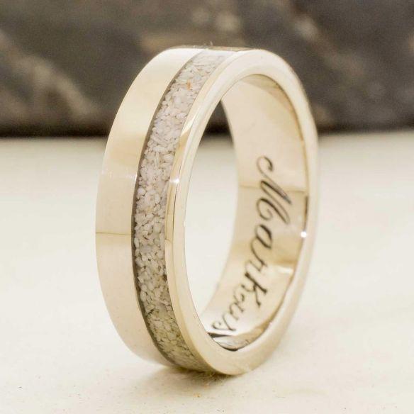 Anillos con piedras preciosas Anillo de oro blanco, con arena del Mediterraneo y un diamante de 2 mm 900,00€ Viademonte Jewelry