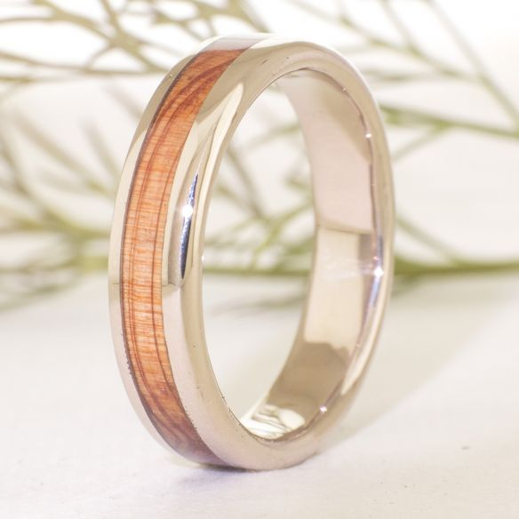Gold wood rings White gold wedding band & juniper 710,00 € Viademonte Jewelry