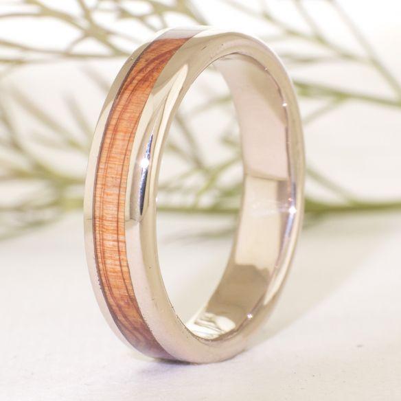 Gold wood rings White gold wedding band & juniper 710,00€ Viademonte Jewelry
