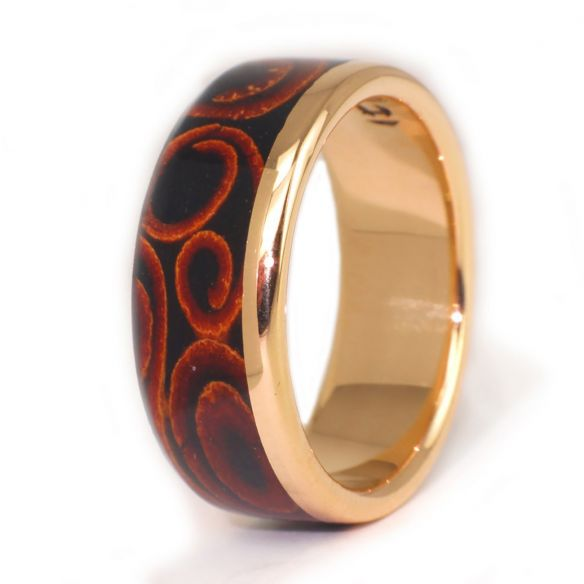 Gold wood rings Yellow gold ring, cinnamon and ebony wood 640,00€ Viademonte Jewelry