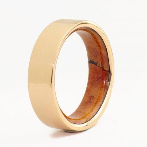 Alianzas con madera y oro Alianza de oro rosa y madera de brezo en el interior 560,00€ Viademonte Jewelry