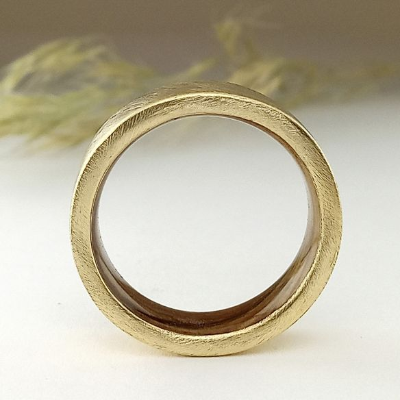 Gold wood bands Yellow gold ring and olive wood inside - Brushed 660,00€ Viademonte Jewelry