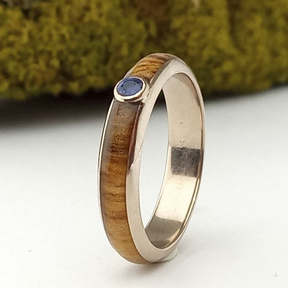 Gemstone Wooden rings Olive wood, sapphire and white gold ring 18k 520,00€ Viademonte Jewelry