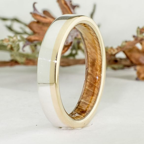 Gold wood bands Gold and sterling silver ring and oak wood inside 260,00€ Viademonte Jewelry