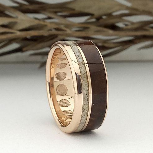 Anillos con madera y oro Anillo de aniversario de oro rosa madera de nogal y arena 750,00€ Viademonte Jewelry