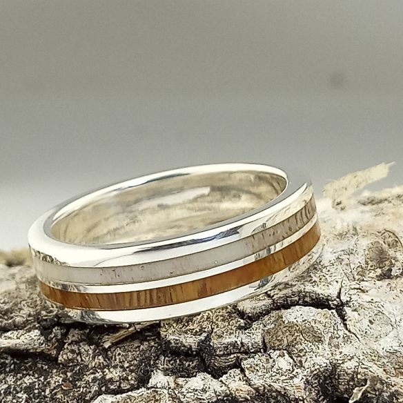 Antler and horn rings Silver ring with moose horn and lignum vitae 160,00€ Viademonte Jewelry