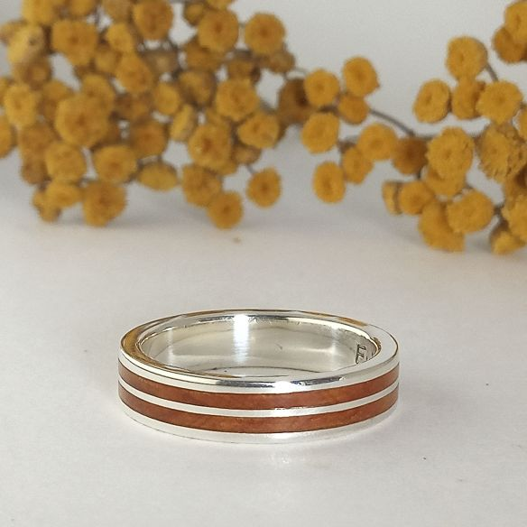 Silver wood rings Original wedding rings - Silver ring with juniper wood 160,00 € Viademonte Jewelry