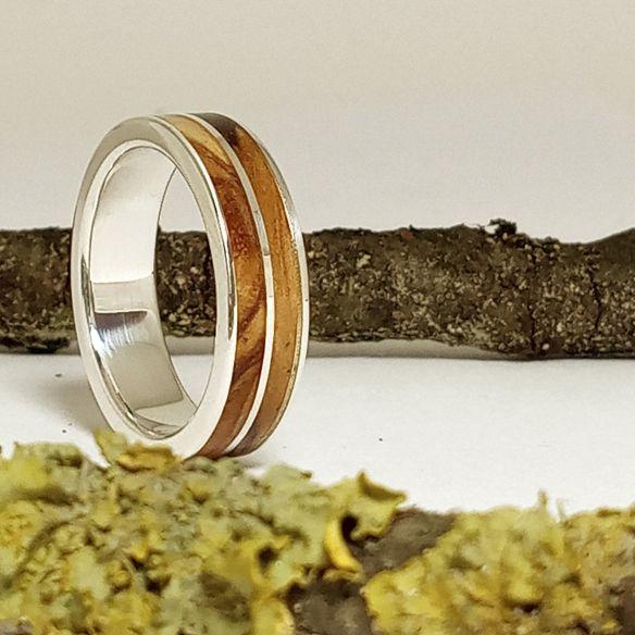 Anillos con madera y plata Anillo con madera y plata - Madera de olivo 160,00€ Viademonte Jewelry