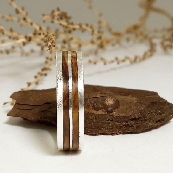 Anillos con madera y plata Alianzas originales de plata y madera de olivo 160,00€ Viademonte Jewelry
