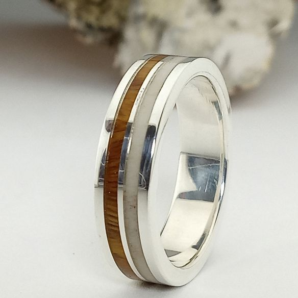 Verlobungsring aus Palisander und Silber