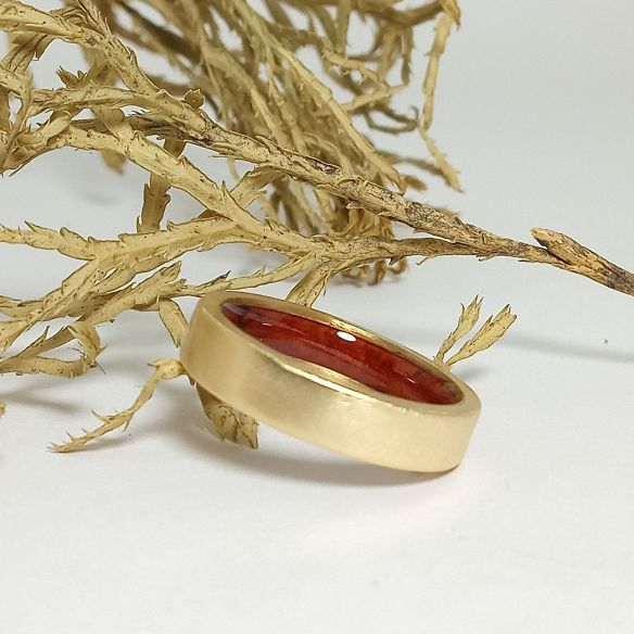Gold wood bands Yellow gold ring and briar root wood inside 490,00€ Viademonte Jewelry