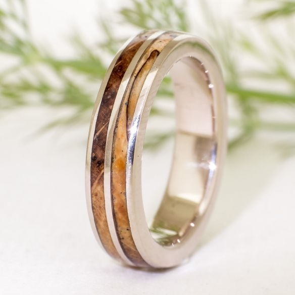Gold wood rings White gold wedding band - Olive & white oak 630,00 € Viademonte Jewelry