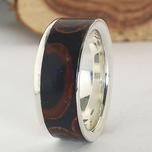 Silver wood rings Silver ring, cinnamon and ebony wood 220,00€ Viademonte Jewelry