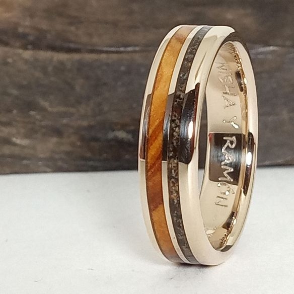 Gold wood rings Original wedding bands- Olive, black sand and white gold 925,00 € Viademonte Jewelry