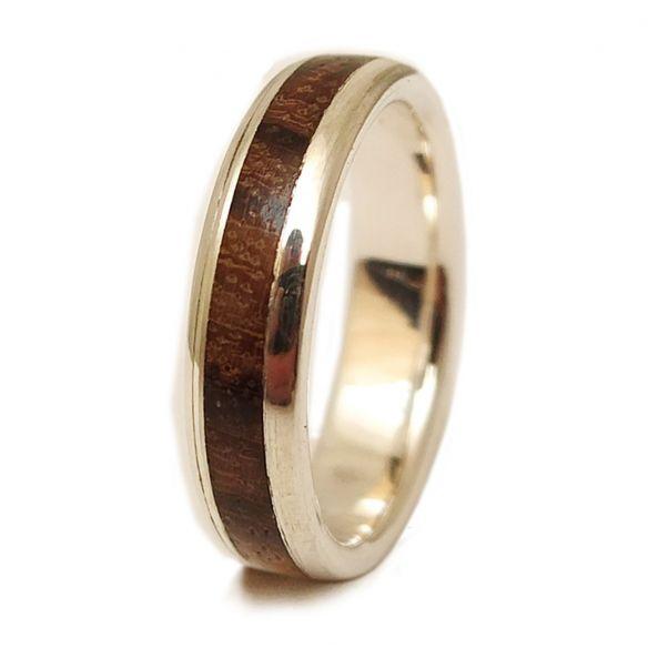 Anells amb fusta i plata Anell de plata de llei i fusta de zebrano 150,00 € Viademonte Jewelry