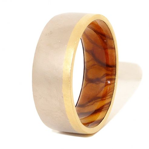 Gold wood bands Gold and sterling silver ring and olive wood inside 270,00 € Viademonte Jewelry