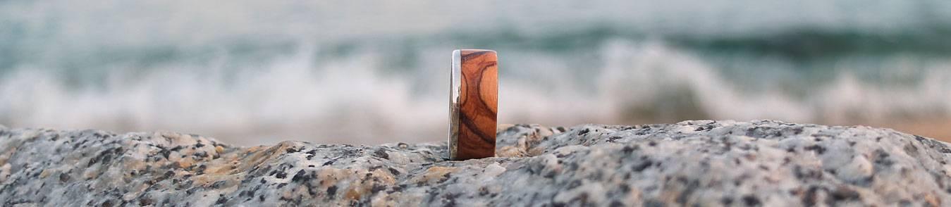 Anneaux en bois originaux, fabriqués à la main